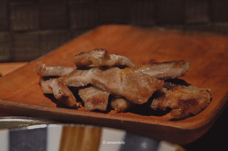 木盤上一些韓式燒肉切片