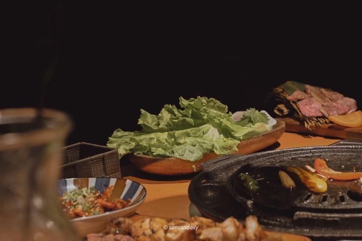 韓式燒肉搭配的生菜一盤