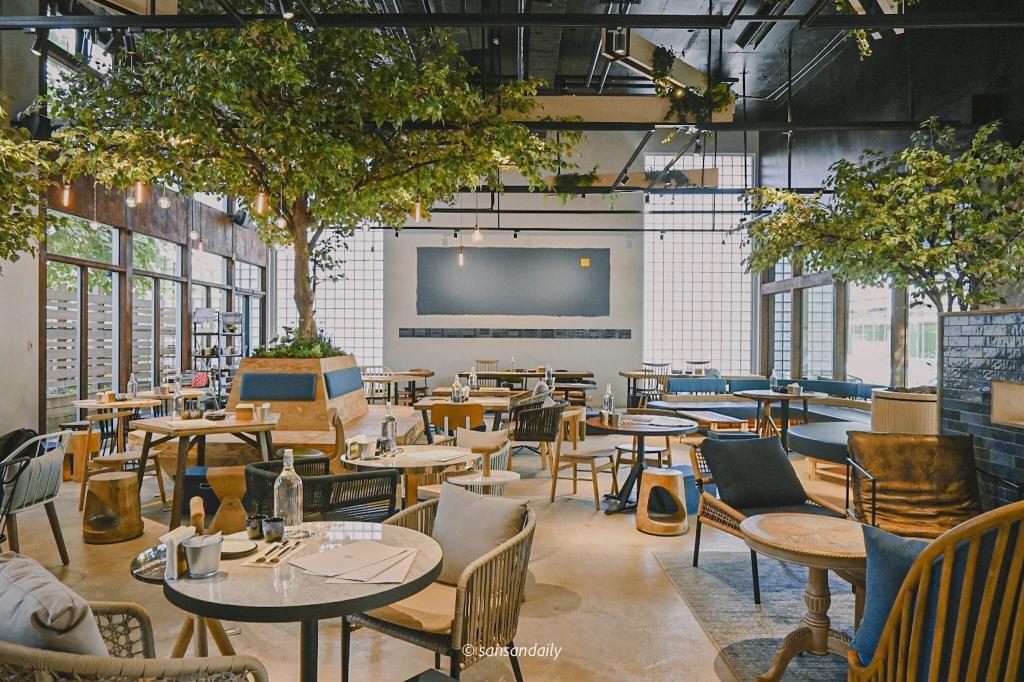 GUMGUM Beer & Wings雞翅酒吧內科店 餐廳內部面向座位區全景圖