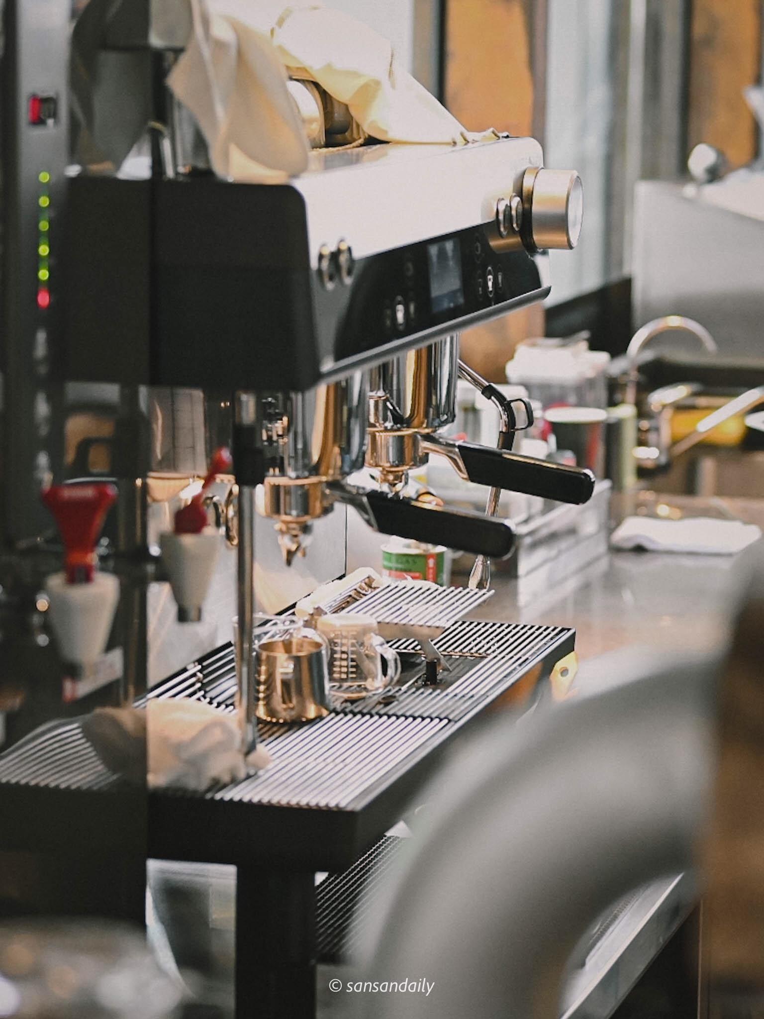 GUMGUM Beer & Wings開放式廚房咖啡機