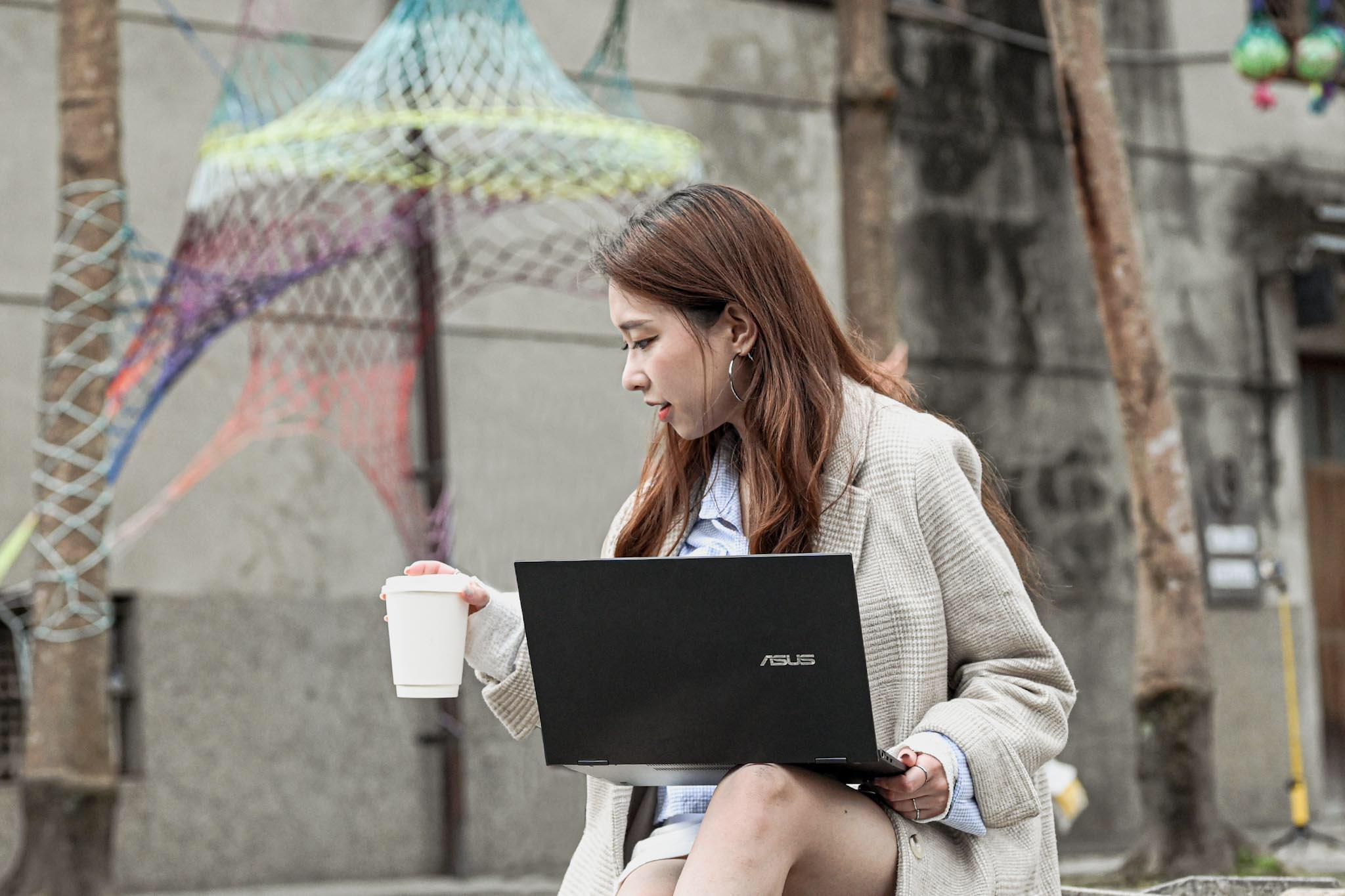 斜槓人生停不下來 就用這台滿足我的精采生活!ZenBook Flip 13(UX363EA)|sansan開箱